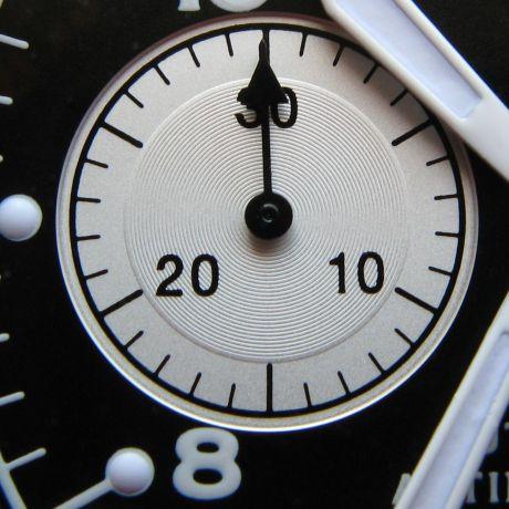 http://grinhu.free.fr/montres/fhr/126/subdial.jpg