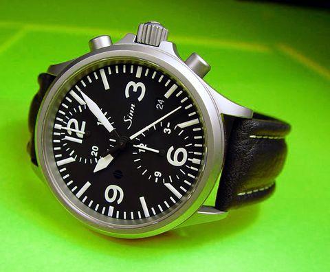 http://grinhu.free.fr/montres/fhr/EZM10/chronometrie%20sinn756.jpg