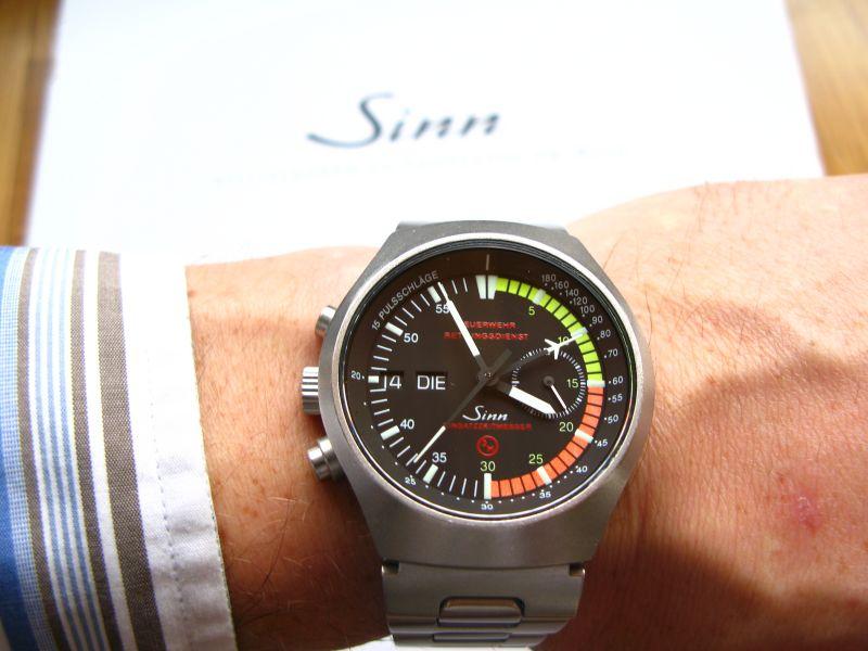 http://grinhu.free.fr/montres/fhr/EZM4/wristshot.jpg